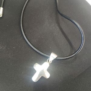 Beautiful genuine silver Silpada cross necklace